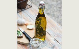 Rezept-Tipp: Zitronen-Rosmarin-Öl